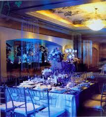 Again if it were an indoor wedding this would be so pretty!