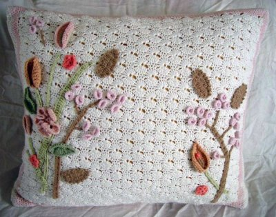 podkins:  Cashmere Crocheted Art Nouveau Cushion by meekssandygirl on Deviantart