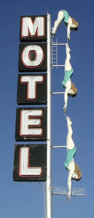 honey-rider:  The Diving Lady of The Starlight Motel, Mesa, Arizona denise-puchol:  motel