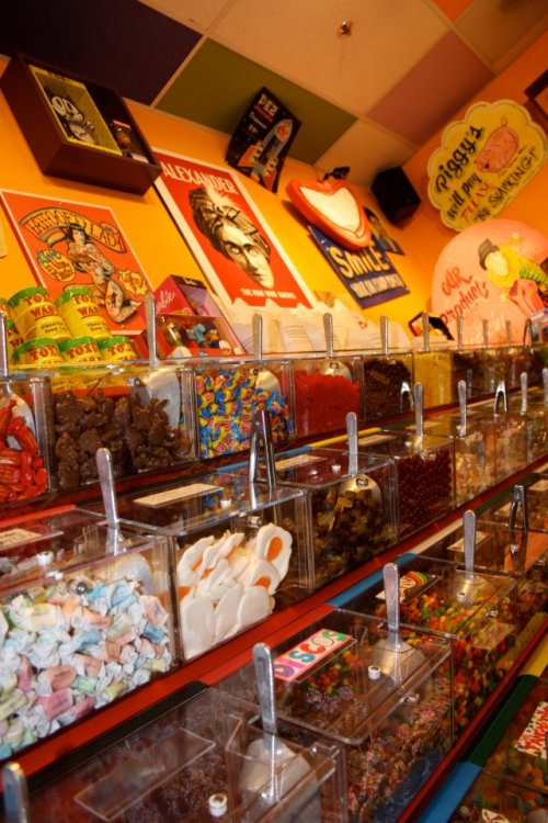 CANDY FOR KIDS DAY at FREAK LUNCHBOX - Saturday, May 26, 2012!  On Saturday, May 26, Freak Lunchbox will donate all of the proceeds of their bulk candy sales to local children's hospitals. This year's hospitals are the IWK Health Centre in Halifax, and the Janeway Foundation in Newfoundland. Scoop like crazy this Saturday, and stock up on bulk candy for an amazing cause!