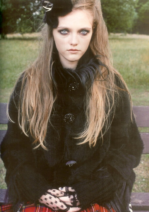 suicideblonde:  Vlada Roslyakova photographed by Venetia Scott for Self Service Magazine, Winter 2005