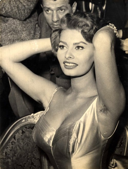 shadesofamber:  Sophia Loren Brings all the Boys to the Yard