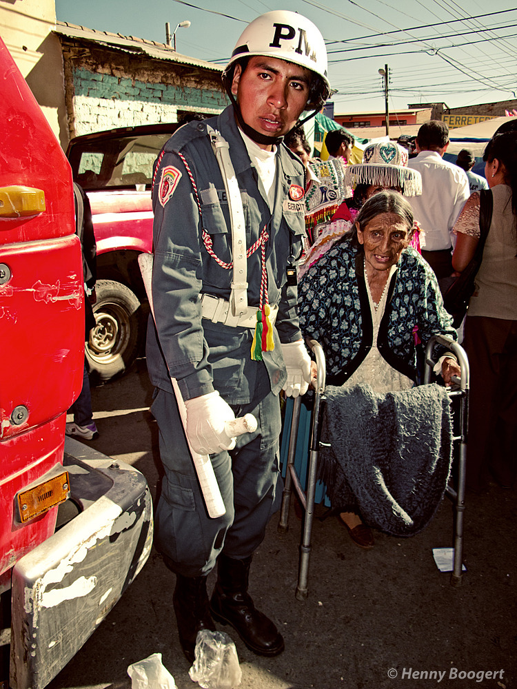 Little old lady coming through | Life in Bolivia, 2011