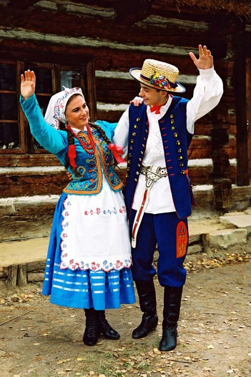 folkthings:  ginara:  Rzeszów  Folk costumes of Rzeszów, Poland