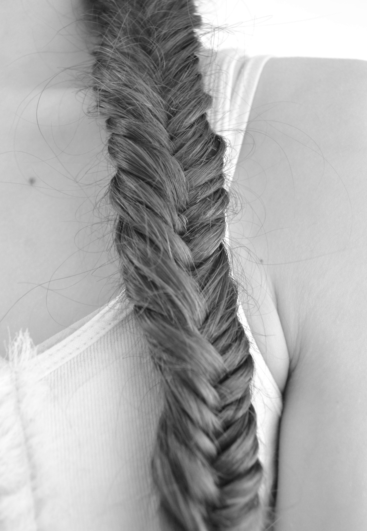 e-ssenc-e:  petite-brunette:  My hair today! © please don´t change the source!  pretty!