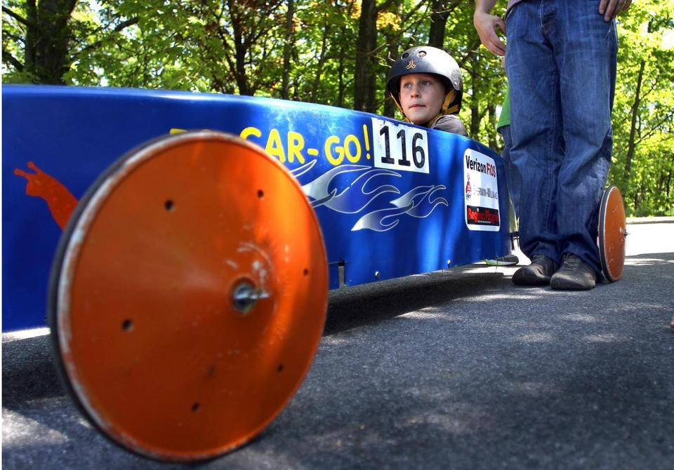 Excitement building in soap box racers' world  - Your daddy's Oldsmobile may be out of production, but your grandfather's motorless soap box car still pokes along - especially in Arlington.