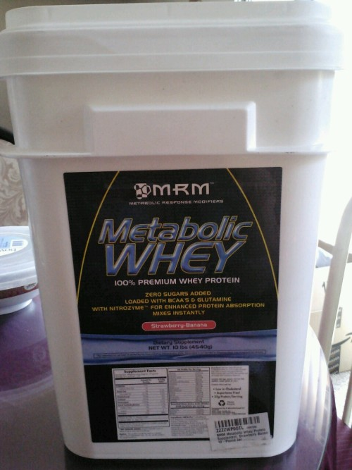 Yay! My 10 lbs bucket of whey came in the mail today. I hope this brand and flavor taste good!