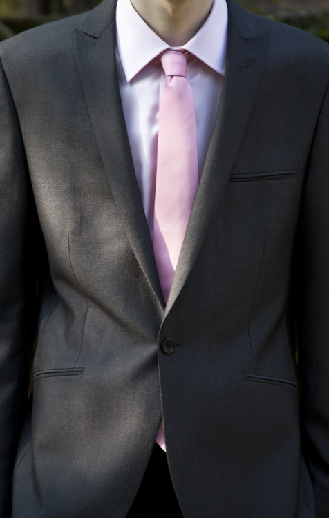 Look; pink Savile Row Co. shirt, pink T&W tie, Berwin & Berwin jacket.Canon EOS 5D MKII - Canon EF 28-135mm f/3.5-5.6 IS USM