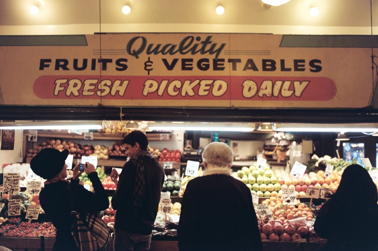 Pike Place Market Seattle, WA; Nikon F3HP; Kodak Portra 160NC; Dec 2011 Pacific Coasting