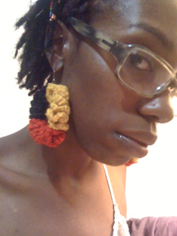 Some earrings I made. I gotta make more!