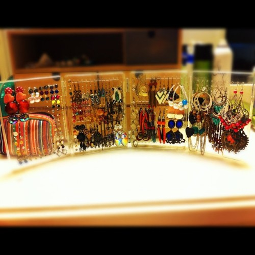 Yeay all organized 😊💁 #earrings #jewelry #organization #WhatGirlsLove #like4like #likeforlike #instagood #instagram #instajewl  (Taken with instagram)