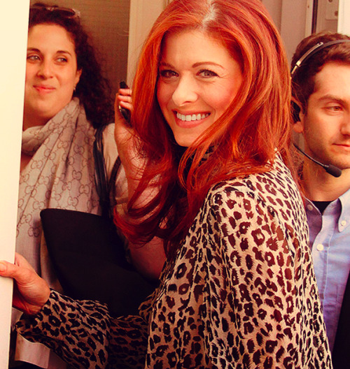 22/50 photos of Debra Messing.