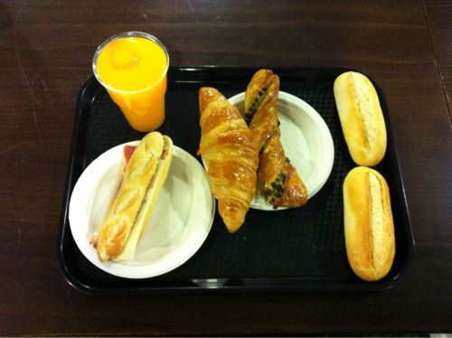 What every breakfast should be like! On the way to Naples, in Madrid's Airport.