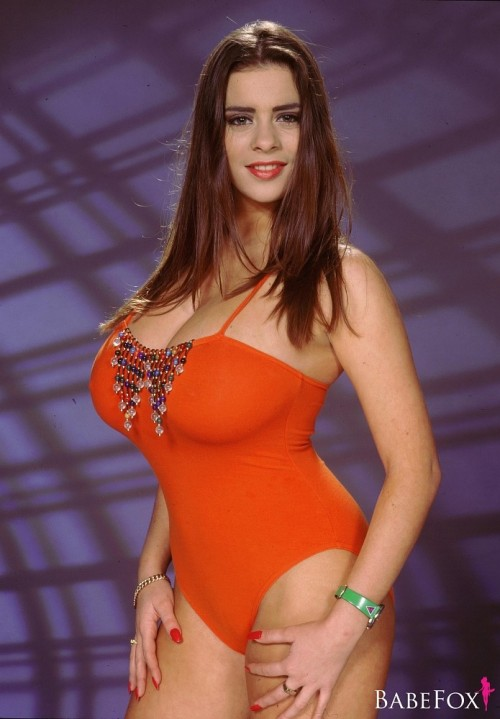 Linsey in Orange