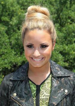Demi Lovato x factor 2012 gallery