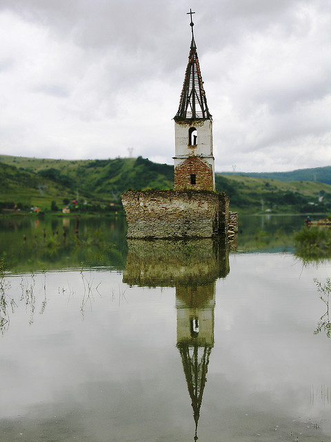 Transylvanian SunkenChurch- Bözödújfalu/Bezidul Nou by Rimager on Flickr.