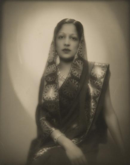 annasintervals:  SANYOGITA, MAHARANI VON INDORE, CA. 1930 By Man Ray  Sanyogita Devi, Maharani of Indore by Man Ray c1930