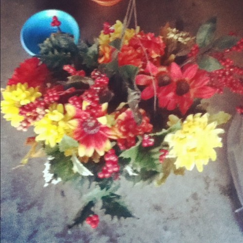 A #flower arrangement we found in the #cemetery with no home or name tags. Brought it home and gave it love! #fauxflowers #photooftheday #photography #ipodography #instagram #instadaily #instamood #instagood #flowerstagram #instaflower #goodevening #pretty (Taken with instagram)