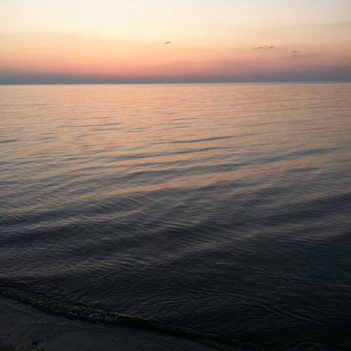 Lake Erie is insanely beautiful. #roadtrip #nofilter (Taken with instagram)