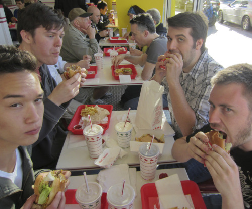 oldshoes:  Some of the Broville crew enjoying In N Out Burger in San Francisco. Yumstheman, Molybdenim, Thoth17 and myself.  Dat lean bulk.