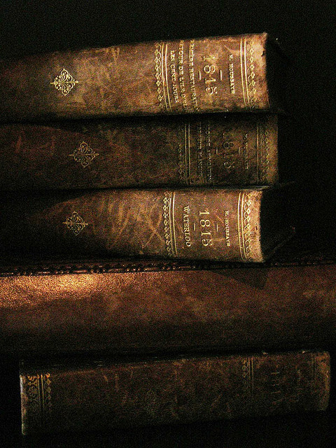 manchannel:  Leather-bound tomes.