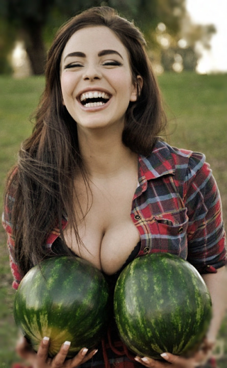 illbethebrightestsomeday:  nice melons.