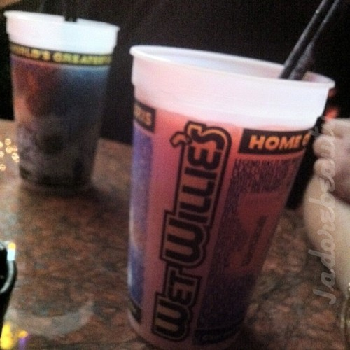 My sisters drink. Yeah I can't hang 😏 #wetwillies #miami #hardrockcafe #love #vacation #miami #drink #drinks #ig #iphone #ignation #instahub #instagood #instalove #instamood #iphonesia #instaddict #instagroove #iphonenography #sister 😜 (Taken with Instagram at Wet Willie's)