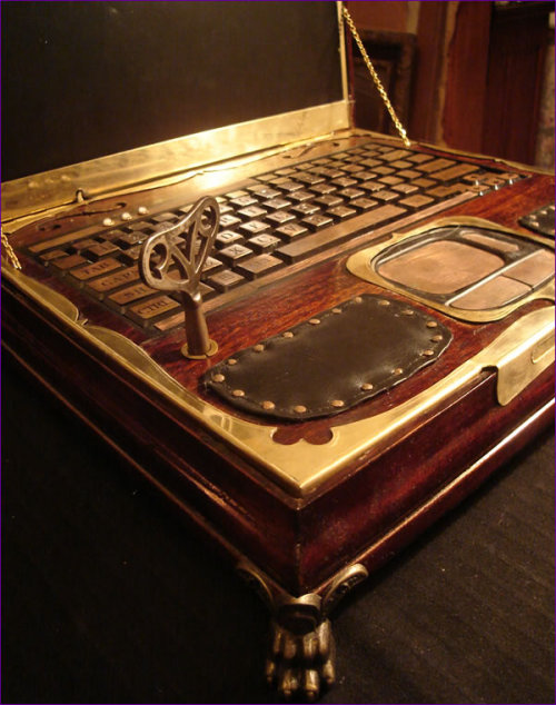 amandaonwriting:  Steampunk Laptop from Victorian Music Box