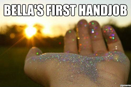 memehunter:  Bella's First Handjobhttp://memehunter.tumblr.com