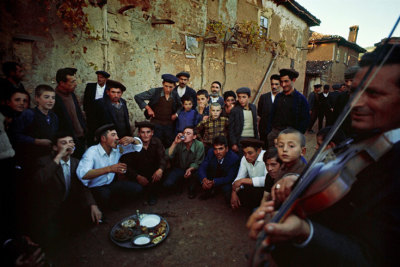 ileftmyheartinistanbul:  The Brotherhood (via Ara Güler)  IleftmyheartinIstanbul.com