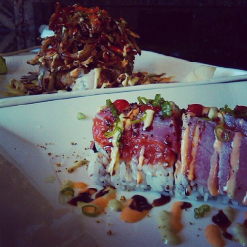 Spicy Tuna Tataki Roll & Albacore Roll topped w/ Deep Fried Onions #latergram #tuna #albacore #sushi #sushirolls #food #foodie #foodgasm #foodporn #instafood #instasushi #instahub #instamood #instagood #certifiedsemifat #instabomby #bomby #igdaily #instagramdaily #hashtagsfordays #tagsontagsontags (Taken with Instagram at Rolling Sushi)