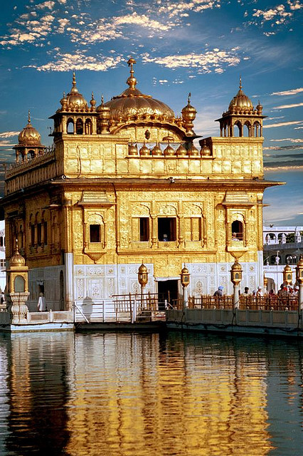 Golden Temple Front by Gurumustuk Singh on Flickr.