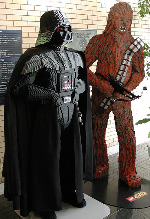jamesv2:  How amazing is this?!?!?!?! Chewbacca and Darth Vader made out of Lego!!!!! LEGO!