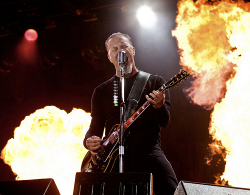 Metallica at Sonisphere 2009. They're playing again at the Spanish one this weekend, anyone going? http://bit.ly/KTaRC4