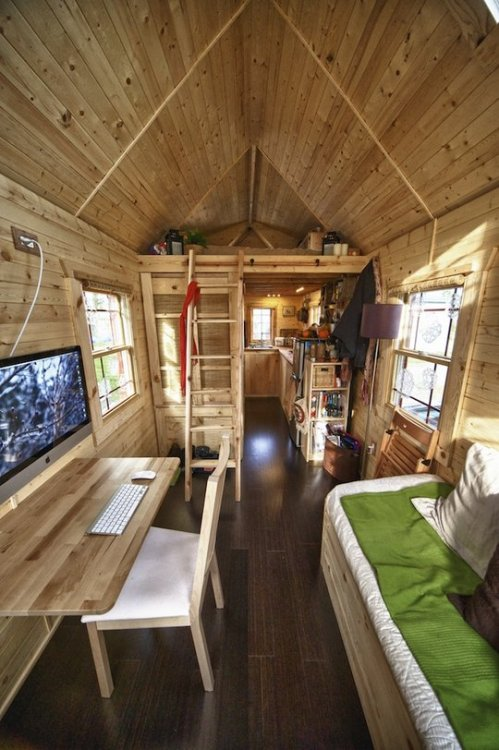 Inside a tiny 170 sq. foot (approx. 16 m²) house (via Malissa's Perfect Retreat Small Cool Contest | Apartment Therapy)
