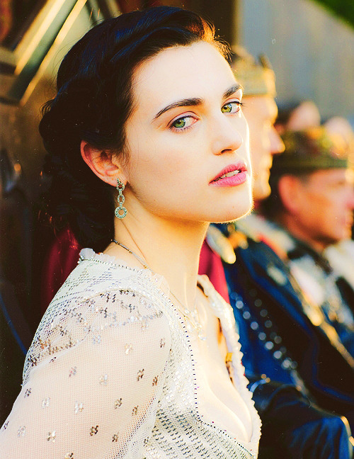 38/66 pictures of Katie McGrath