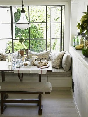 I love breakfast nooks!