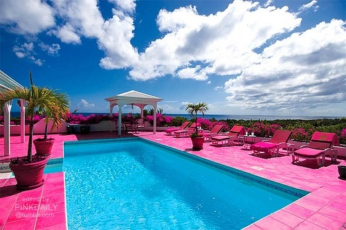 forever-and-alwayss:  I'd love to be there, be surrounded by pinkess !