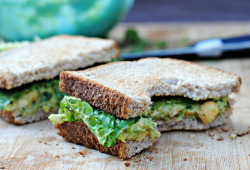 oohhhbaby:  smashed chickpea & avocado salad sandwich