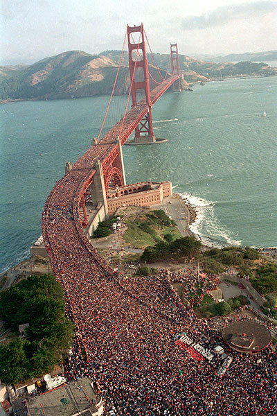 Happy 75th anniversary Golden Gate Bridge! shortformblog:  guardian:  Photograph: Doug Atkins/AP  Golden Gate Birthday.