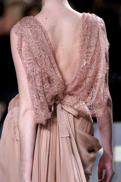 Superb detail of Elie Saab!