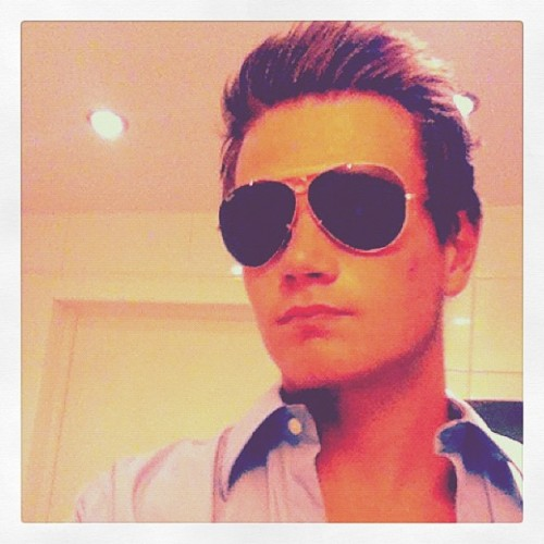 Ray-Ban Shout-Out to :                       > @pontusgullenborn < Follow! Follow! Follow!  #rayban #ray_ban #sunglasses  #shoutout  #instagram #statigram #selfportrait #aTypopicture #instagramhub #Instagram_Sg #iphone #iphoneography #iphonesia #instamood #iphotography #iphonegraphy #iphone4 #iPhonegraphy #bestoftheday #picoftheday #photooftheday #igdaily #instadaily #igaddict #ignation #iphoneonly #instagood #instagroove (Taken with instagram)