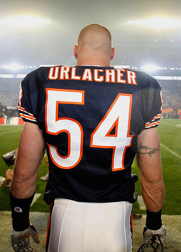 bearsfansonline:  Happy 34th Birthday, Brian Urlacher!