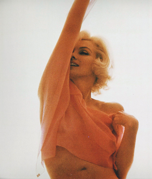 gypsyprincess:  Marilyn Monroe photographed by Bert Stern, 1962.