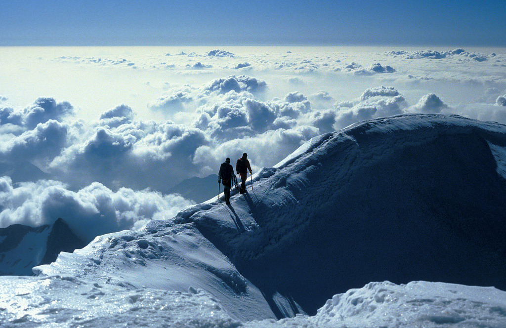 vvolare:  Into Heaven? Two climbers on the summit ridge of Weissmies by Peter de Rooij