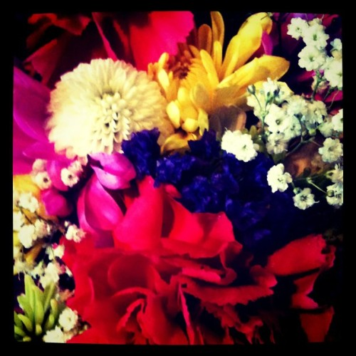Flowers for the loveliest flower! Happy birthday, mom! Te amo!!! #flowers #bright #colors  (Taken with instagram)