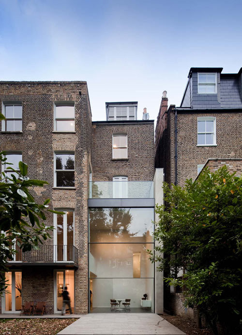 aros:  Bassett Road House by Paul+O Architects