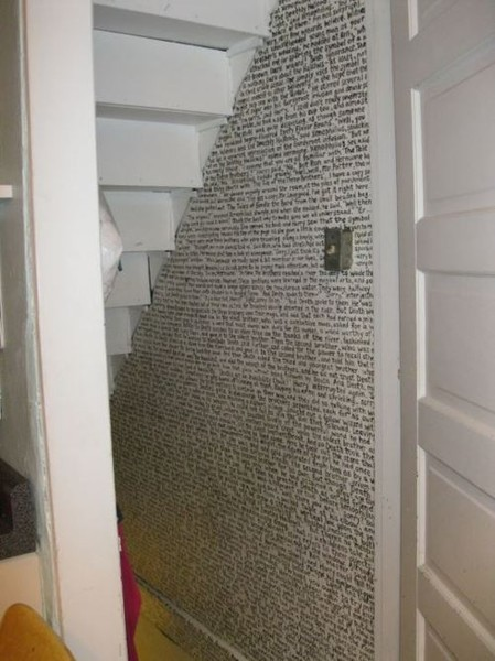 amandaonwriting:  An entire chapter of Harry Potter written under the stairs.  i want to do this. except with lyrics and shiz.