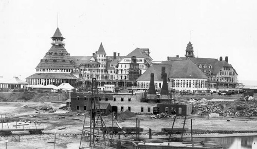 thenobelexperiment:  Construction of the Hotel Del Coronado San Diego, Ca 1887
