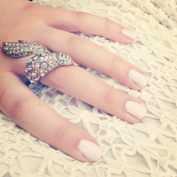 💎 #bird #ring #gold #jewels #bling #diamonds #essie #nailpolish #pink #pastel #crochet  (Taken with instagram)